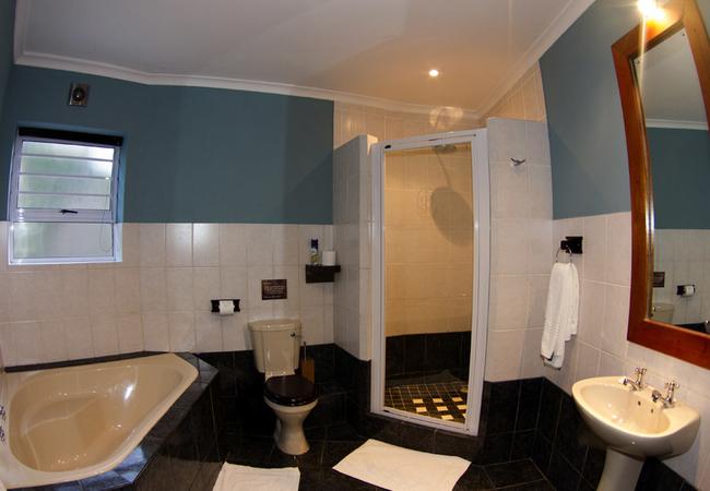 Cetecea Suite Bathroom