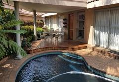 Jacaranda Cottage