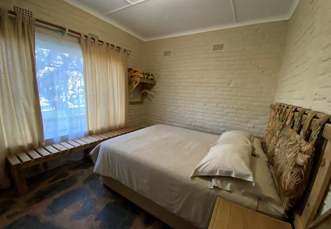 One-bedroom 5-sleeper (TV & limited hotel DSTV)
