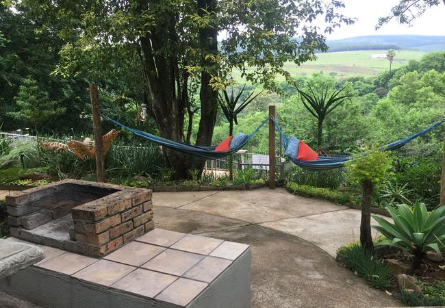 Apartment D - Bathroom with twin basin