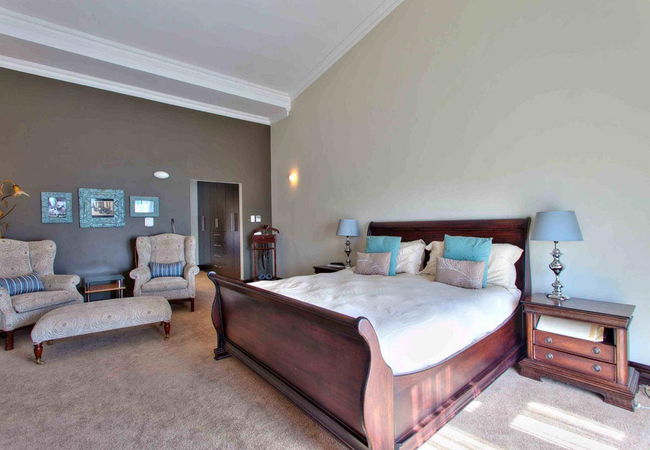 Superior King/Twin Room Private Entrance