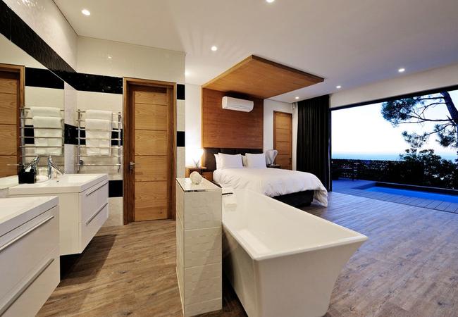 Private Pool Suite