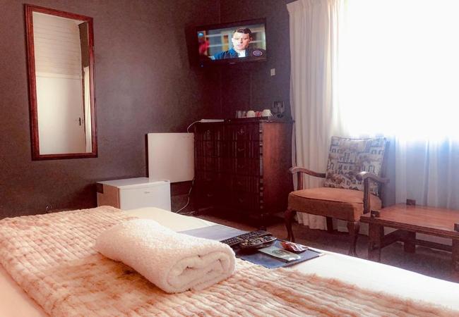 Room 2A - Queen Room