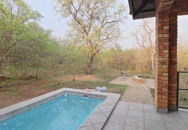 Splash pool/Outside Braai