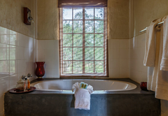 Shikwari Suite Bath