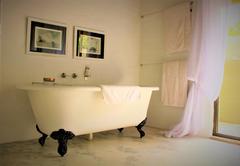 Knobthorn Bath