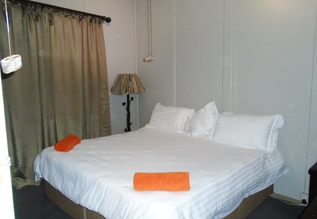 Four-Bedroom Olive Tree Chalet