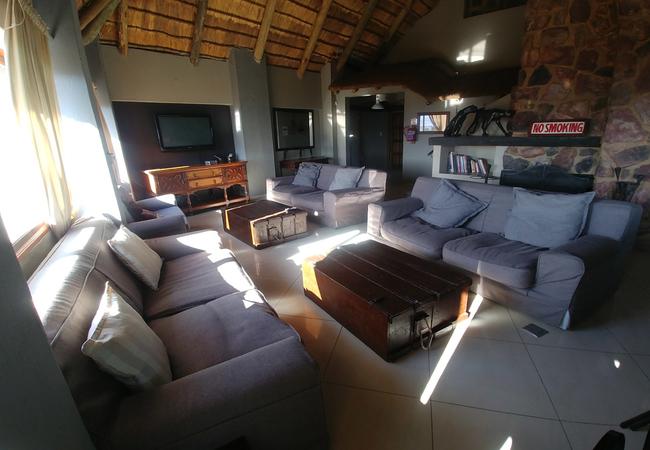 Blue Sky Lodge lounge
