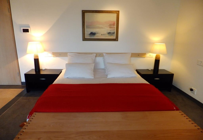 Deluxe Double Room With Bath 3