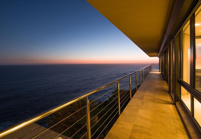 Cliff Room