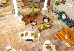 Spacube Luxury Suites and Spa