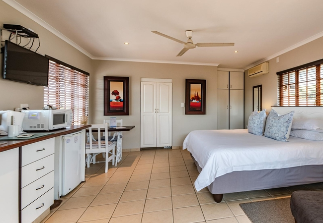 Self-Catering King / Twin Room