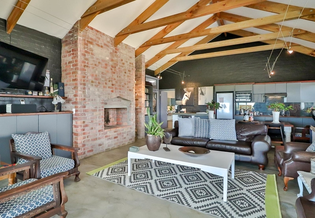 Pool for use from Apartment, Boutique and Honeyoon Rooms only