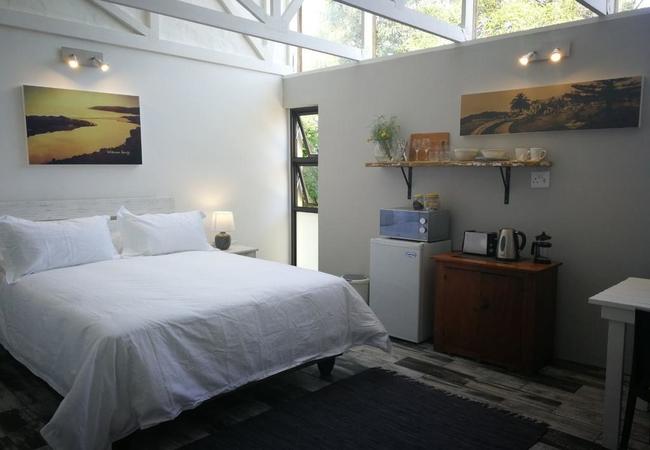 The Studio - Queen size bed