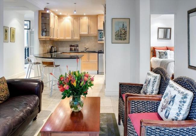 Two-Bedroom Apartment (Luxury)