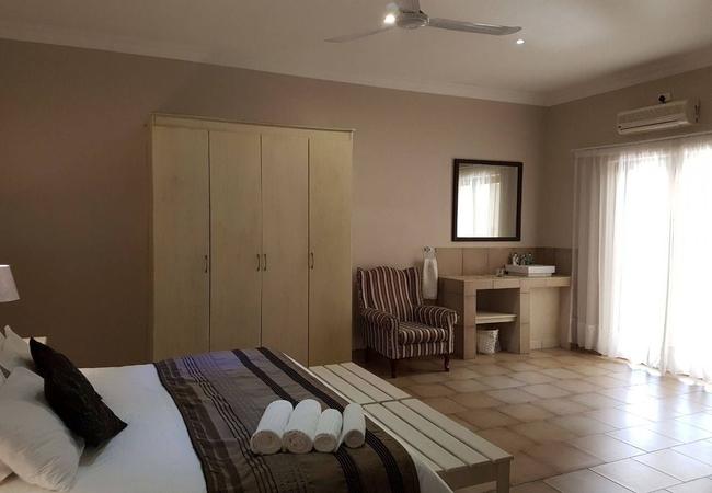 Room 7 - Standard King