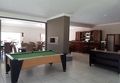 Dining area, bar & pool table