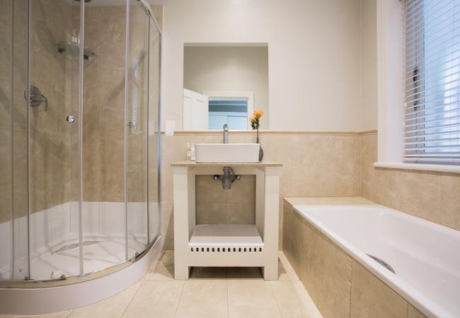 Room 1 - Terrace Double Bathroom