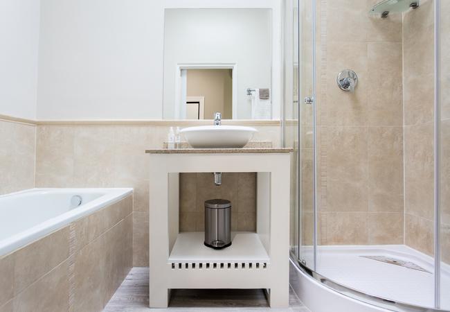 Room 5 - Standard Double Bathroom