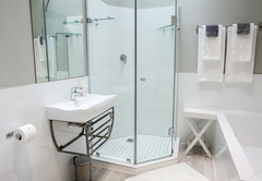 Room 7 - Standard Double Bathroom