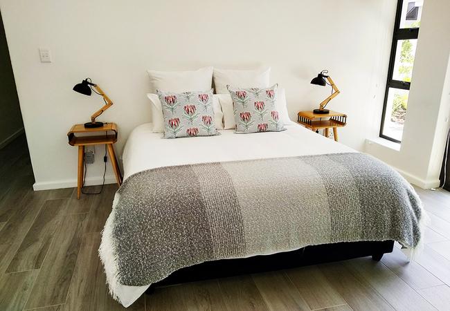 Main bedroom - Queen-size bed