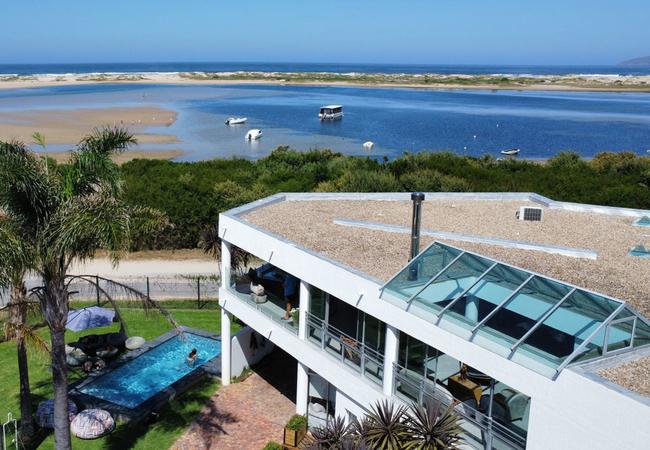 Room 3: Queen Suite