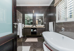 Luxury Suite: Thandi