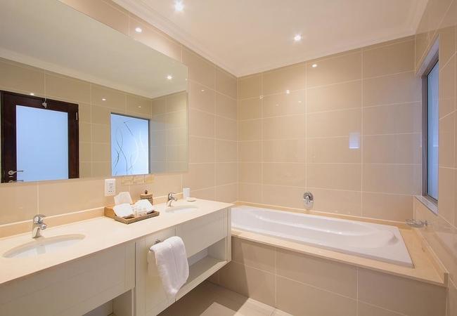 Standard / Luxury Room