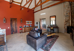 Tamodi Lodge and Stables