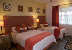 Room 1 - Family Room En-Suite