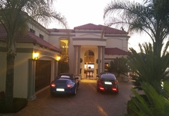 The Blue Crane Villa