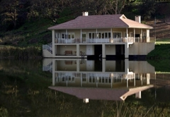 The Boathouse at Oakhurst Olives