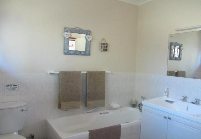 The Carraighs bathroom