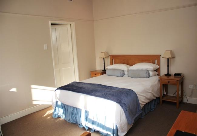 Room 1 - Queen Room