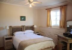 Room 8 - Queen Room