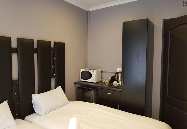 Budget Twin Rooms (Not En-suite)