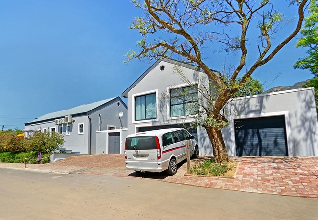 The Guesthouse at Kopke Classic Cars