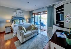 Saphire (Luxury Suite)