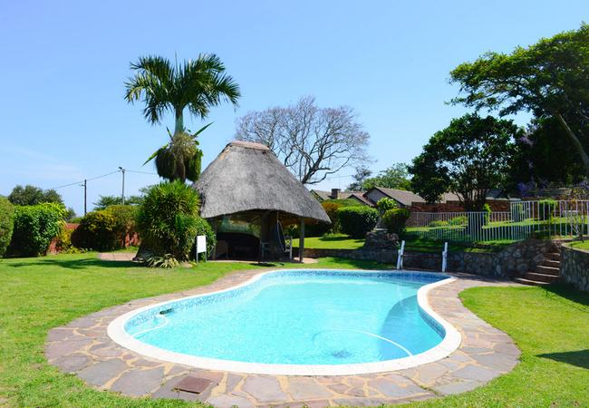 Pool, Lapa and braai