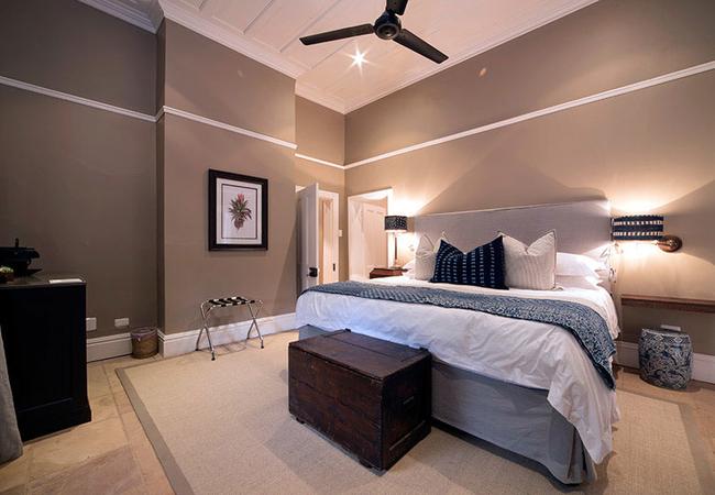 3. Luxury Room