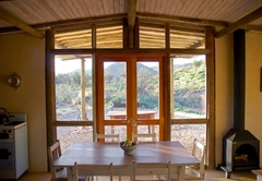 Red Rock Cottage - Dining with a view