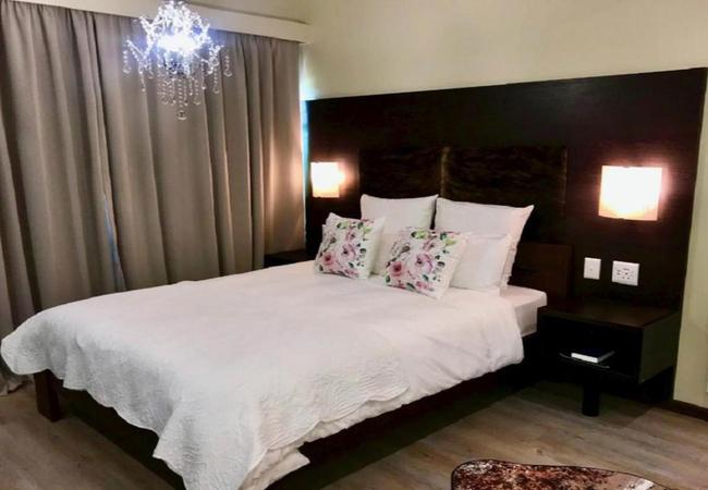 Queen Suite 3