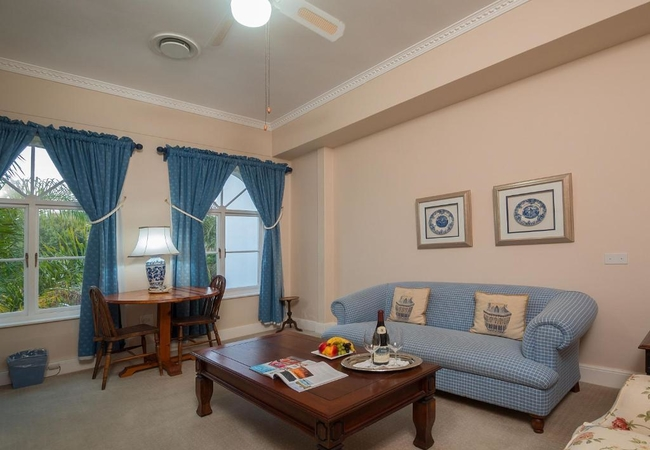 Junior Suite - Courtyard Facing - 4