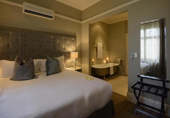 Luxury Rooms (Bath)