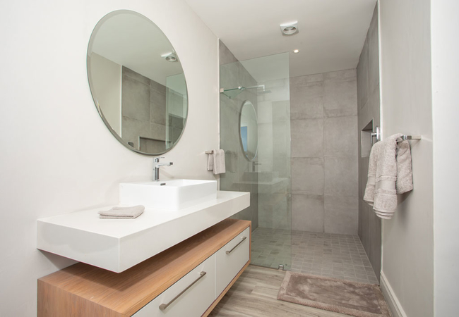 The View Bathroom 4