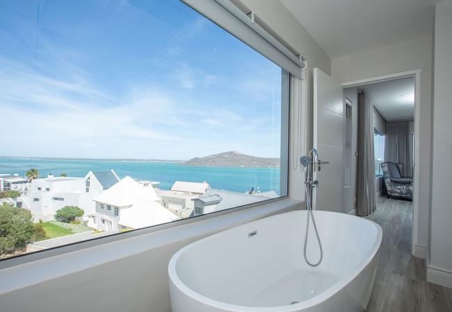 The View Bathroom 1