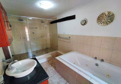 The Villa Manor