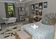 Three Oaks Bed & Breakfast