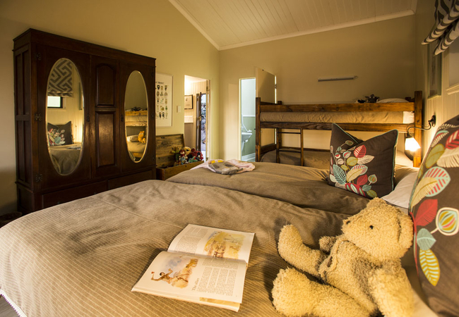 Family Cottage (sleeps 6 guests)