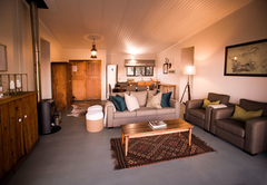 Burchells Cottage (sleeps 6 guests)